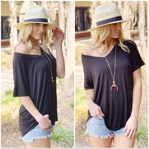 ✨RESTOCKED✨Black V-Neck Tee